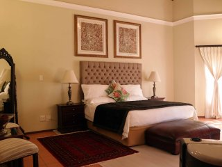 Spacious 7 bedroom Pretoria Guest house with Internet Access - Pretoria vacation rentals