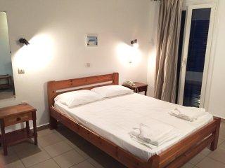 Bright Kini Studio rental with Internet Access - Kini vacation rentals