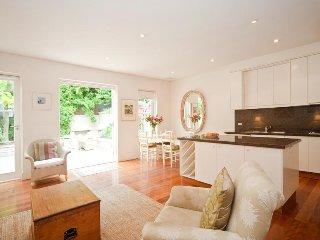 Comfortable 2 bedroom House in Woollahra - Woollahra vacation rentals
