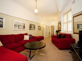 Lovely 2 bedroom Villa in Edgecliff - Edgecliff vacation rentals