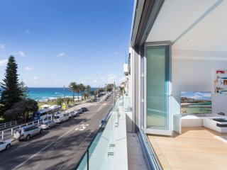 Bright 2 bedroom Villa in Bronte - Bronte vacation rentals