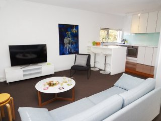 Perfect 1 bedroom Villa in Edgecliff - Edgecliff vacation rentals