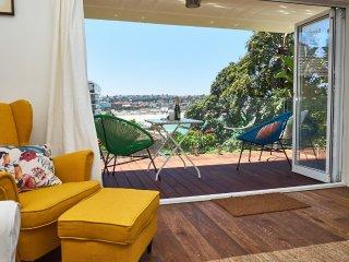 Gorgeous 2 bedroom Villa in Bondi - Bondi vacation rentals