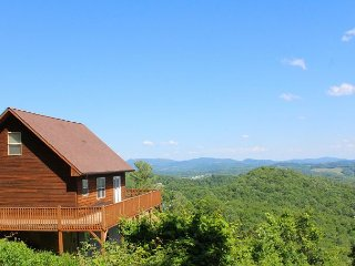 Majestic Panoramic  Views! Escape The Summer Heat! Low Rates! - Grassy Creek vacation rentals
