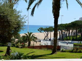 Duplex frente al mar con parking 02 - Castell-Platja d'Aro vacation rentals