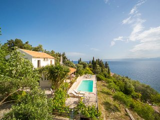 Adorable Villa in Loggos with Internet Access, sleeps 6 - Loggos vacation rentals