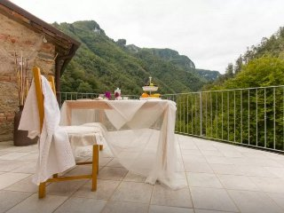 Lovely Fabbriche di Vallico Apartment rental with Hot Tub - Fabbriche di Vallico vacation rentals