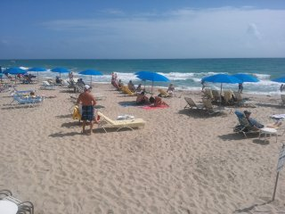 Ft Lauderdale beach, studio condo/hotel on beach - Fort Lauderdale vacation rentals