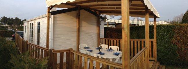 Mobile home neuf climatisé, camp4* les Charmettes - La Palmyre-Les Mathes vacation rentals