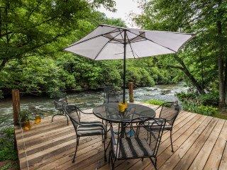 River s Edge - Great Cartecay River Cabin! - Ellijay vacation rentals