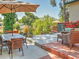 Immaculate 3BR Agoura Hills Waterfront House w/Wifi, Outdoor Fire Pit & Private Patio Overlooking Lake Lindero - Close to Popular Local Attractions and Recreational Activities! - Agoura Hills vacation rentals