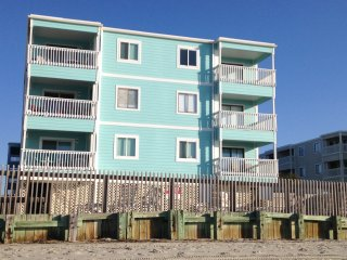 HURRY! 1ST WEEK IN AUGUST JUST OPENED UP! Beachfront 3bd/2.5 CONDO w/pool! - Garden City Beach vacation rentals