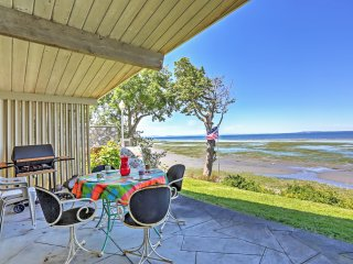 Alluring 2BR Birch Bay Waterfront Cottage w/Wifi, Private Patio & Gorgeous Birch Bay Views - Easy Access to the Beach, Boating & Northwest Islands! - Blaine vacation rentals