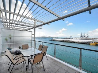 2 Bedroom Apartment with Balcony in Princes Wharf - Auckland vacation rentals