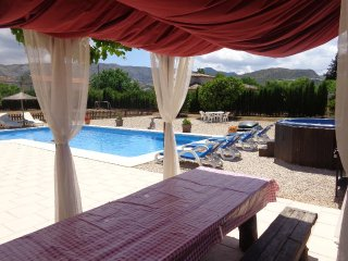 Villa with garden,terraces Den - Pamis vacation rentals