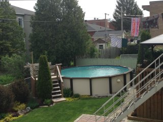 Beautiful 2 bedroom Longueuil House with Internet Access - Longueuil vacation rentals