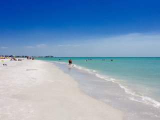 Gulf view, 2BR+2BR+2BR for 18 in Treasure Island - Treasure Island vacation rentals