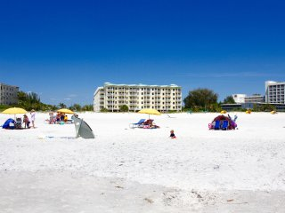 Great 2BR/2BA with Gulf of Mexico views for 6 - Treasure Island vacation rentals