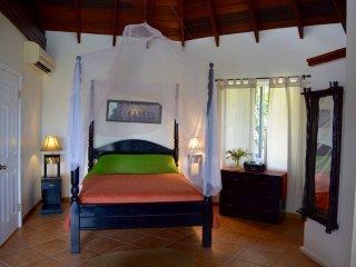 Charming Marigot Bay Studio rental with Deck - Marigot Bay vacation rentals