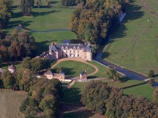 Château 1 heure de Paris , 13 chambres - Montigny-sur-Avre vacation rentals