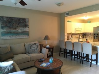 3 bedroom Apartment with Hot Tub in Naples - Naples vacation rentals