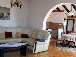 Bright 2 bedroom Apartment in Vodice with A/C - Vodice vacation rentals