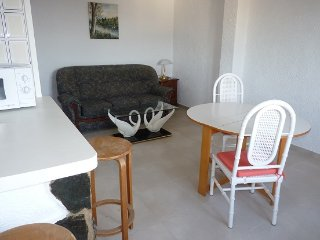 LOCATION APPARTEMENT B - Roses vacation rentals