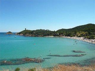 Spacieux T3 RdC (6/7 pers) Jardin clos piscine privée chauffée à 5mns des Plages - Sainte Lucie De Porto Vecchio vacation rentals