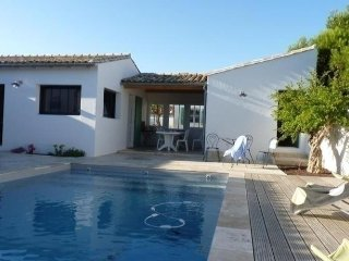 Beautiful House with Television and Central Heating - Loix en Re vacation rentals