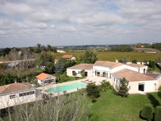 Nice Villa with Internet Access and Parking - Yvrac vacation rentals