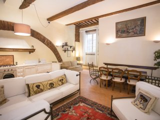 Perfect Condo with Dishwasher and Toaster - Lucca vacation rentals
