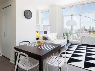Cozy 2 bedroom New York City Condo with Dishwasher - New York City vacation rentals
