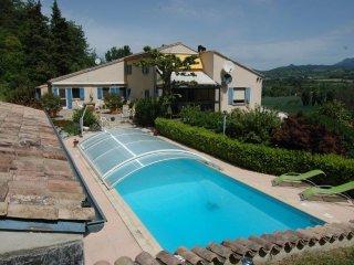 Gîte de caractère dans la Drôme - Aouste-sur-Sye vacation rentals