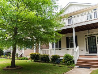 Nice House with Dishwasher and Television - Atlanta vacation rentals