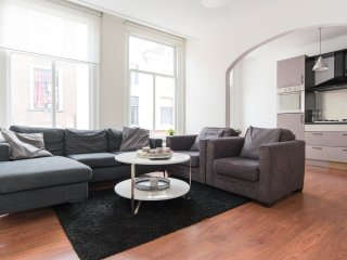 Bright 2 bedroom Vacation Rental in Leiden - Leiden vacation rentals