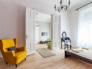 Real Apartments Wesselényi big - Budapest vacation rentals