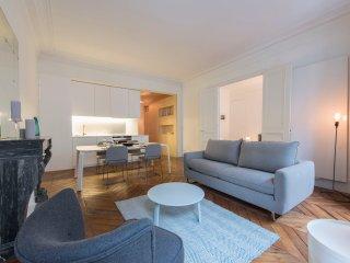Casino, 2BR/2BA, 6 people - Paris vacation rentals