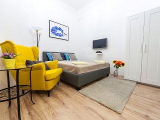 Real Apartments Wesselényi small - Budapest vacation rentals