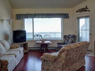 Little Whale Watch Condo ~ RA5819 - Depoe Bay vacation rentals