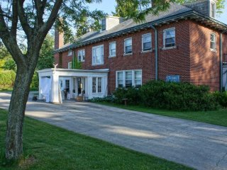 3 bedroom Penthouse with Internet Access in Port Dover - Port Dover vacation rentals