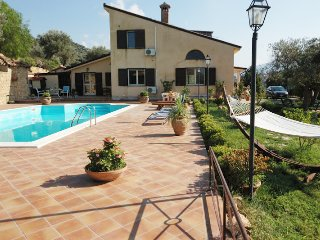 Great Family villa with pool - Pettineo vacation rentals