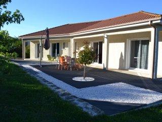 Maison de Campagne La Fontlong - Saint-Flour vacation rentals