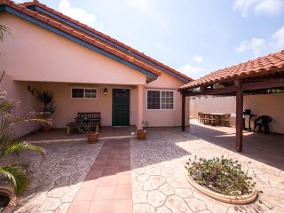 Aruban Tropical Villa in Punto de Oro - Noord vacation rentals