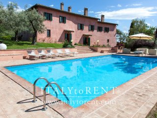 VILLA IL CONVENTO, pool. Near Assisi. Sleeps up 16 - Foligno vacation rentals