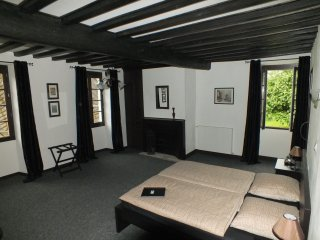 Au Moulin 1771-Traditional B&B SW France-Chambre A - Monein vacation rentals