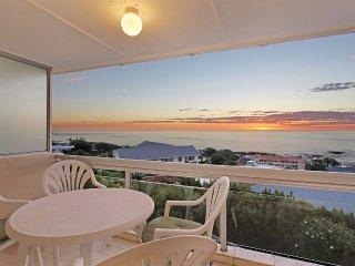 1 bedroom Condo with A/C in Camps Bay - Camps Bay vacation rentals