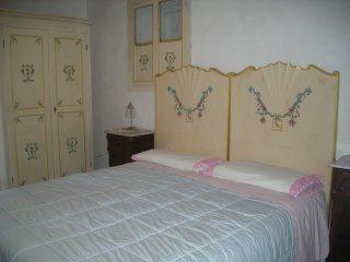 B&B Villa Giulia-Camera Tripla con Vista giardino - Montecassiano vacation rentals