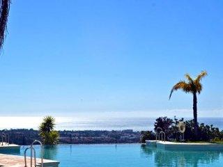 2 bedroom sea view apartment, La Hacienda - Benahavis vacation rentals