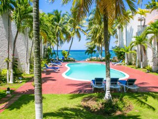 Paradise at Apartment 22 Chrisanns Beach Resort - Ocho Rios vacation rentals