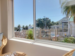 Nice Condo with Shared Outdoor Pool and Satellite Or Cable TV - Camps Bay vacation rentals
